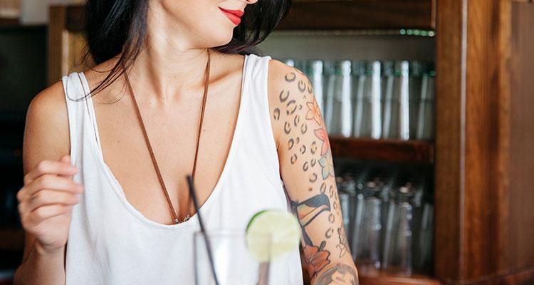 Секреты расслабления во время создания татуировки