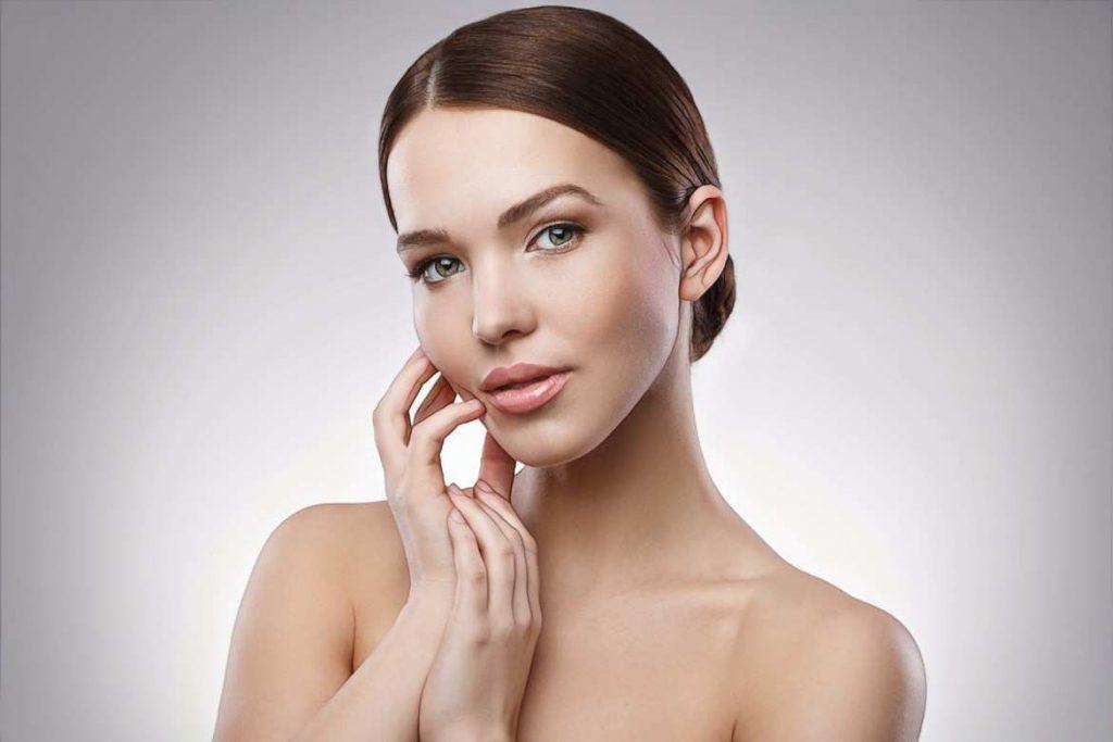 фото девушки после лечения заболеваний кожи косметологией