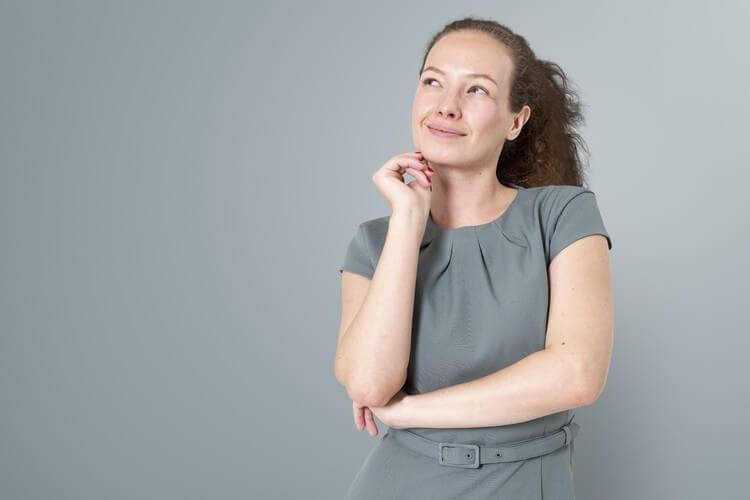 Чем обезболить кожу перед шугарингом глубокого бикини?