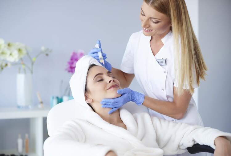 Чем обезболить кожу перед процедурой